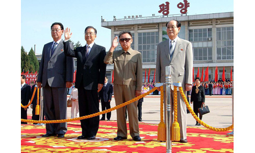 Wen Jiabao, the Chinese premier, has arrived in Pyongyang for a three-day visit marking 60 years of diplomatic relations between the two countries [Reuters]