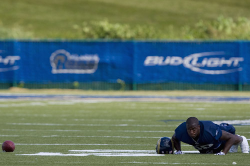Justin King of the St Louis Rams completes press-up number 3,485 ahead of September's new season [GALLO/GETTY]