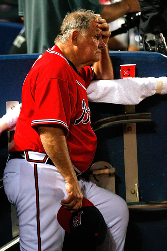 Atlanta Braves manager Bobby Cox loses the will to live during a 9-1 defeat to the LA Dodgers [GALLO/GETTY]