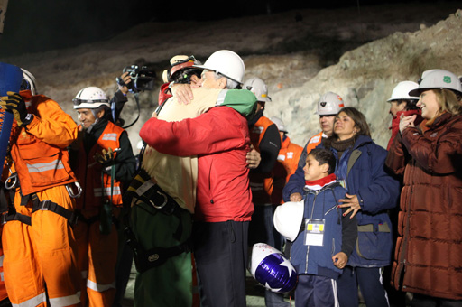Florencio Avalos, one of the 33 Chilean miners, was the first to be raised to the surface to the sound of applause [AFP]
