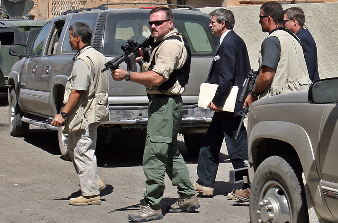الشركات العسكرية والأمنية الخاصة: أذرع طويلة لمهمات مختلفة  20101217101544591797_20