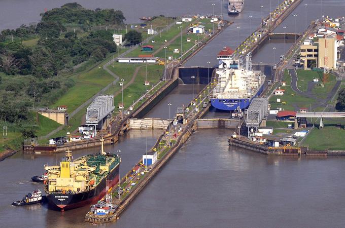 Panama Canal shut after flooding