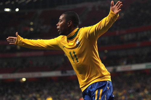 Robinho of Brazil signals his World Cup intent with a goal and assist in a friendly against Ireland [GALLO/GETTY]