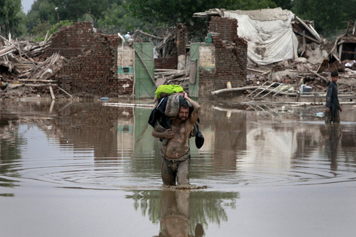 More than 1,500 people have been killed in Pakistan(***)s worst floods in history[Reuters]