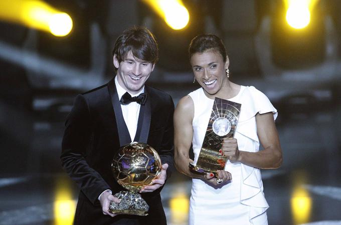 Messi Wins Fifa Ballon D Or 2010 News Al Jazeera
