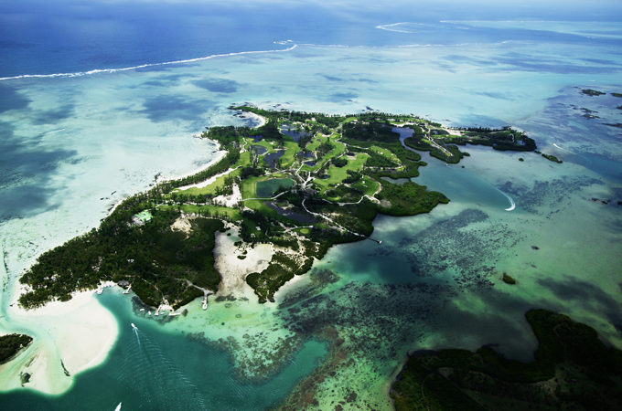 Tourist hotspot Mauritius hit by oil spill as ship grounds thumbnail