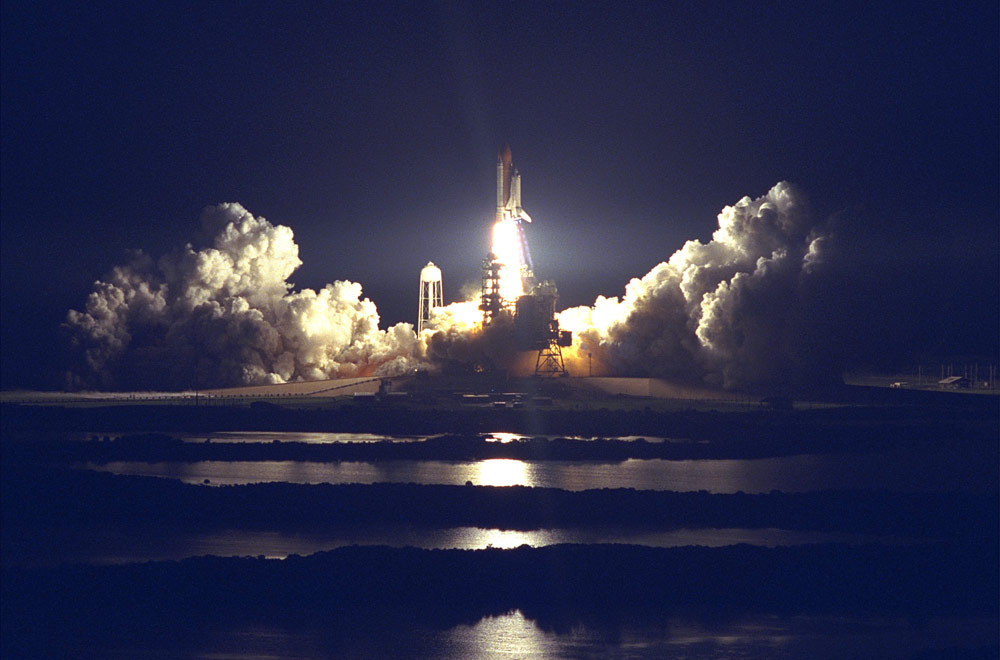 atlantis space shuttle night launch - photo #3