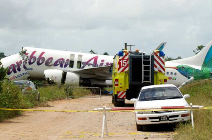 The Caribbean airline Boeing 737 crashed in on the runway of Guyana's ...