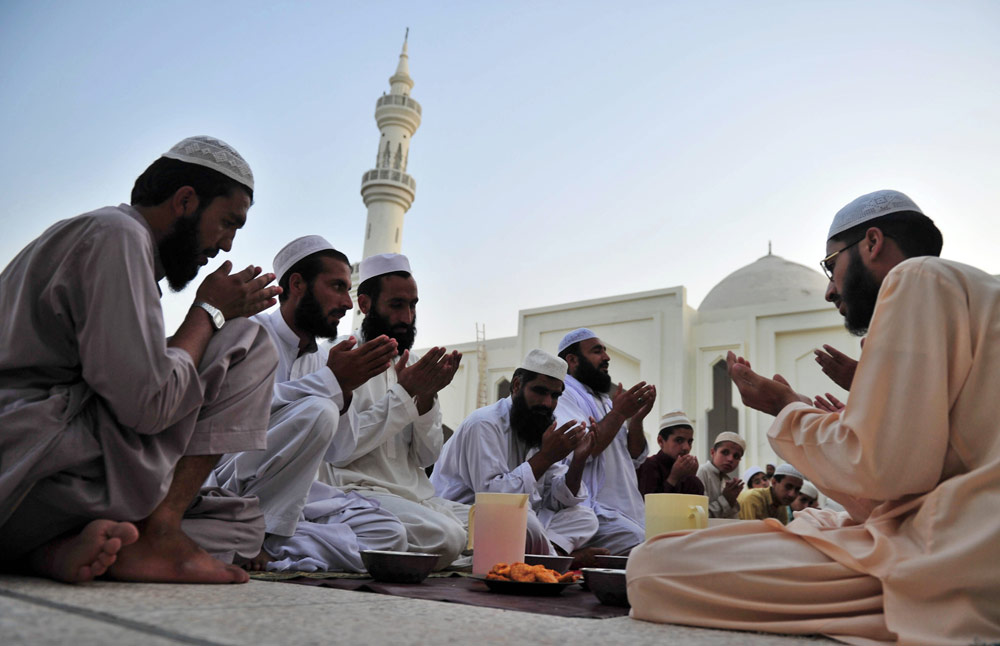 In Pictures: The start of Ramadan  France News  Al Jazeera