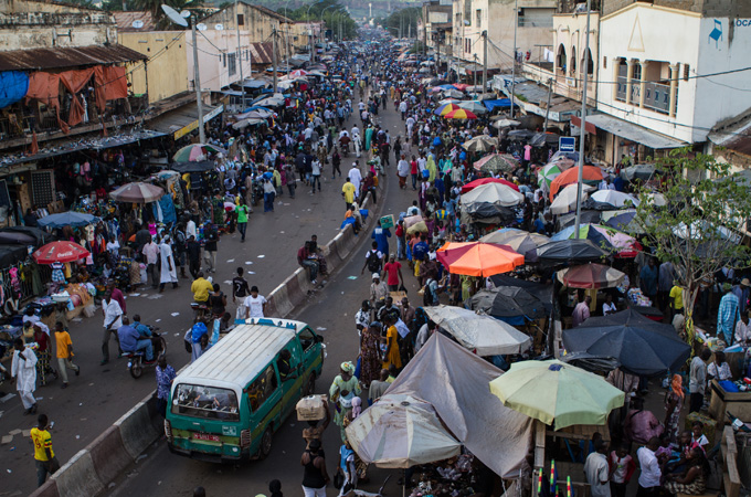 A crowded market street in Bamako, the capital and Mali(***)s largest city. [Tanya Bindra/Al Jazeera]