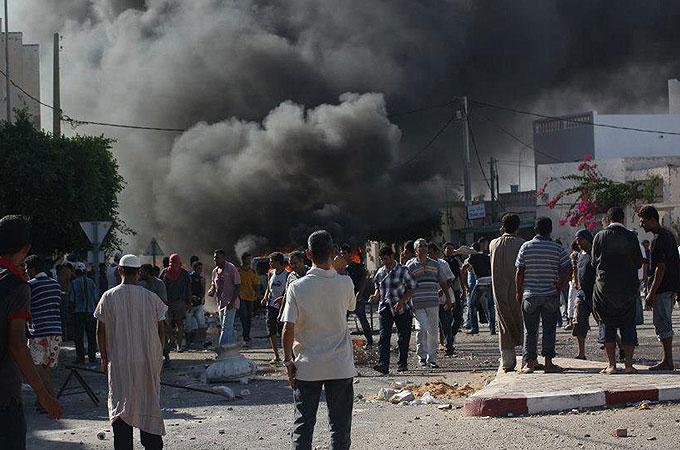 Tunisia Police riot