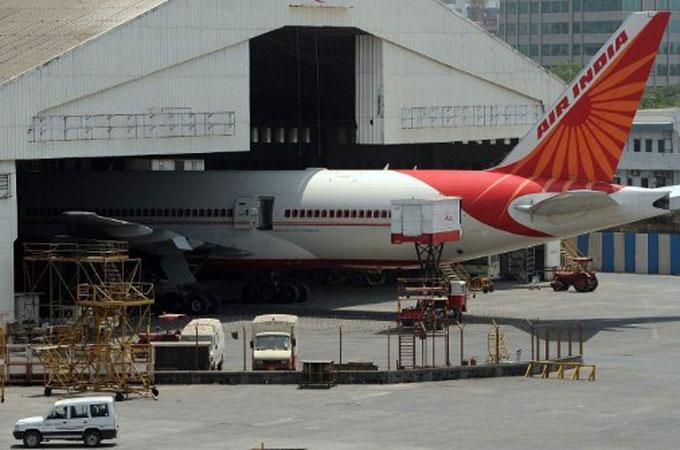 India pilot strike leaves thousands stranded  Al Jazeera