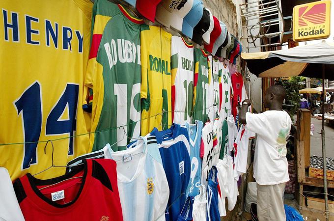 Gillar nigerias supportrar morkt ol