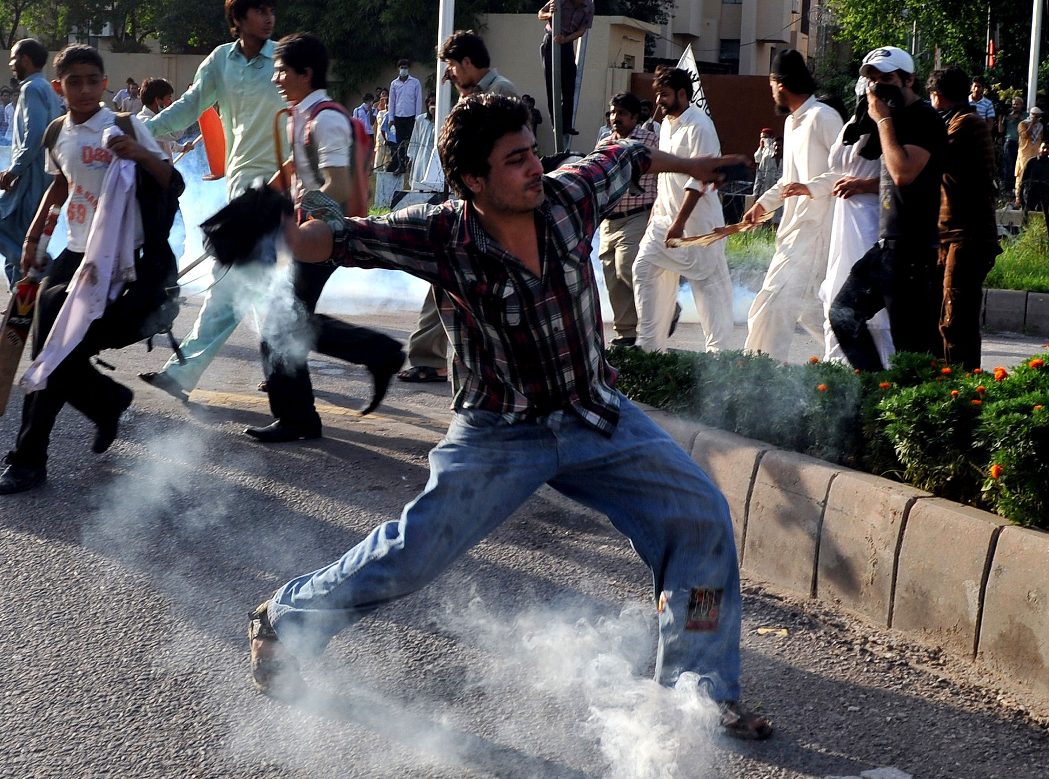Anti-Islam Film: Pakistan Protests Turn Violent In Islamabad