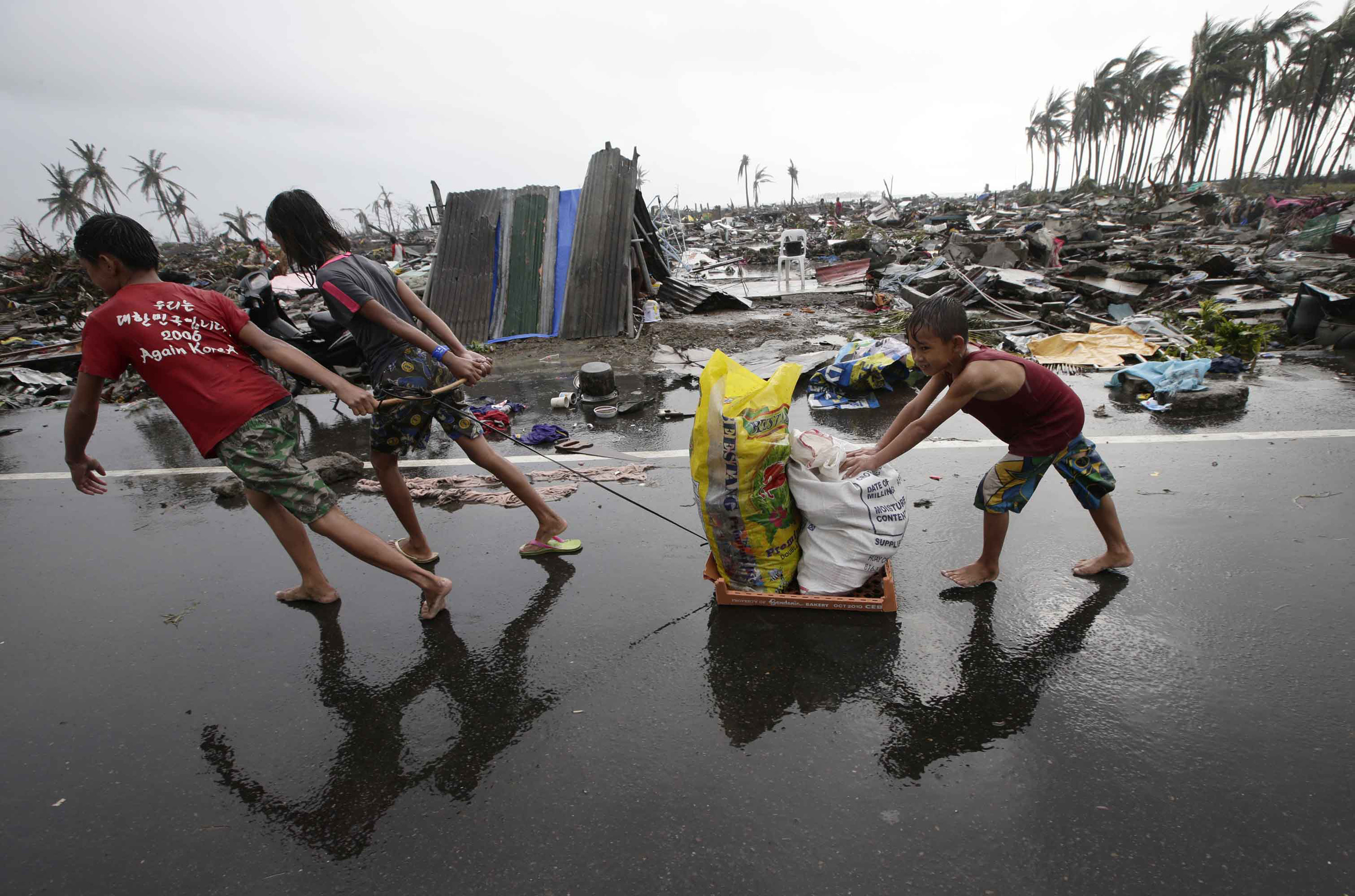 Philippines reels from Typhoon Haiyan havoc | News | Al ...