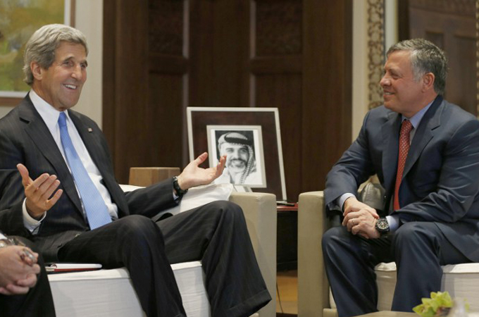Kerry urges Assad to commit to peace