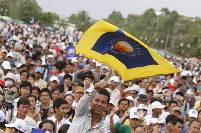 Cambodia opposition demands election inquiry