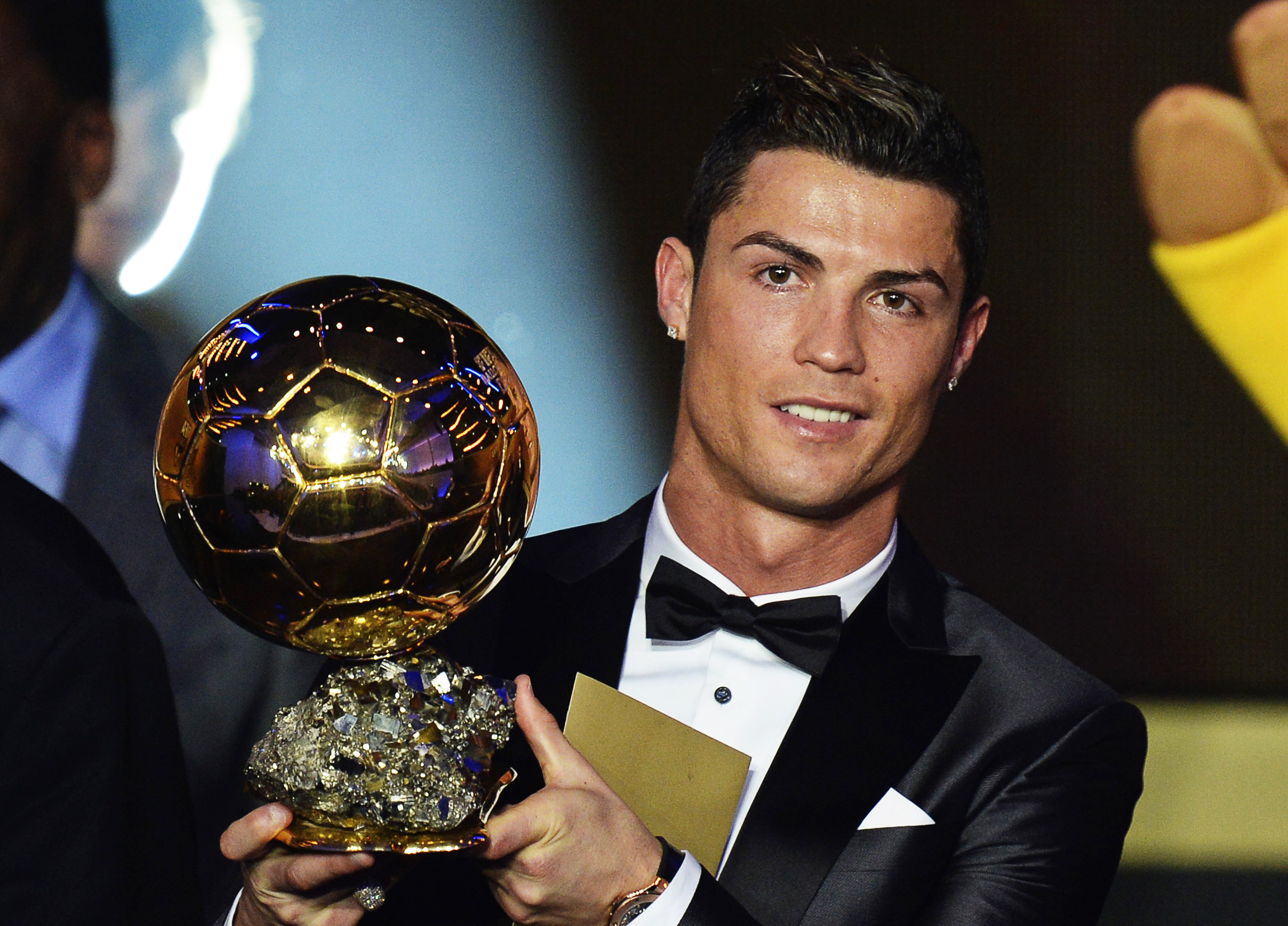 Ronaldo pips Messi to Ballon dOr award - Football - Al Jazeera.