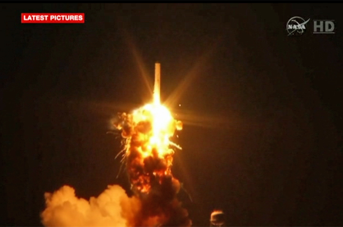 Unmanned NASA rocket explodes on launch | News | Al Jazeera