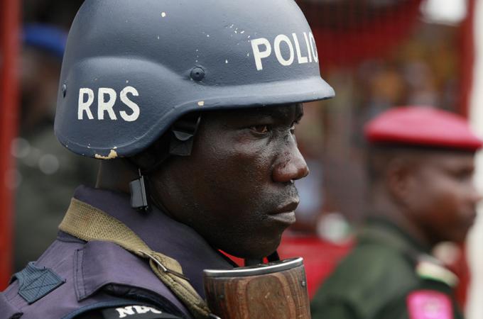senate-president-suspends-parliament-after-police-fire-tear-gas