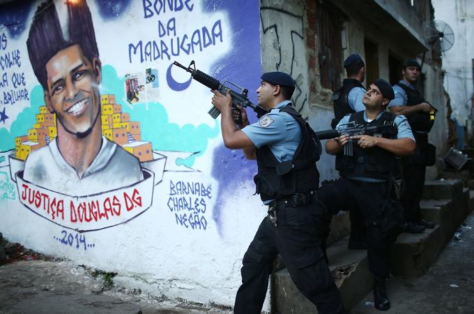 Río de Janeiro pide ayuda contra los narcos 2014625104740338734_20