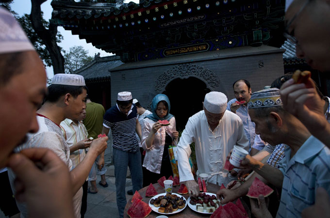 ruoqiang muslim Xinjiang is known for its fruits and produce, including grapes, melons, pears, cotton, wheat, silk, and walnutsin addition, it has large deposits of gold, chromium, copper, nickel, rare.