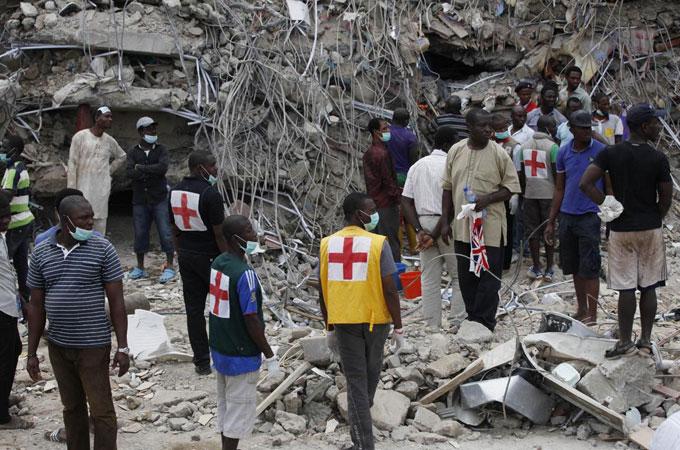 Nigeria Church Building Collapse Nigeria Church Collapse Leaves