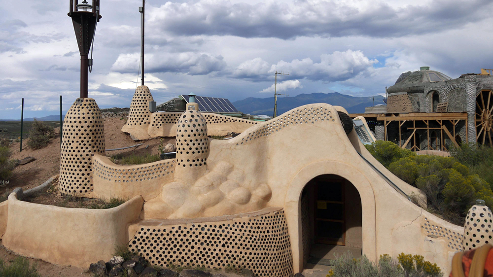 No More Trashing Us Earthship Homes Business Economy Al Jazeera