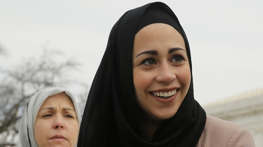 abercrombie muslim Abercrombie & fitch is being sued by a stockroom worker who claims she was fired for refusing to take off her muslim headscarf while at work hani khan, 20, said a manager asked if she could .