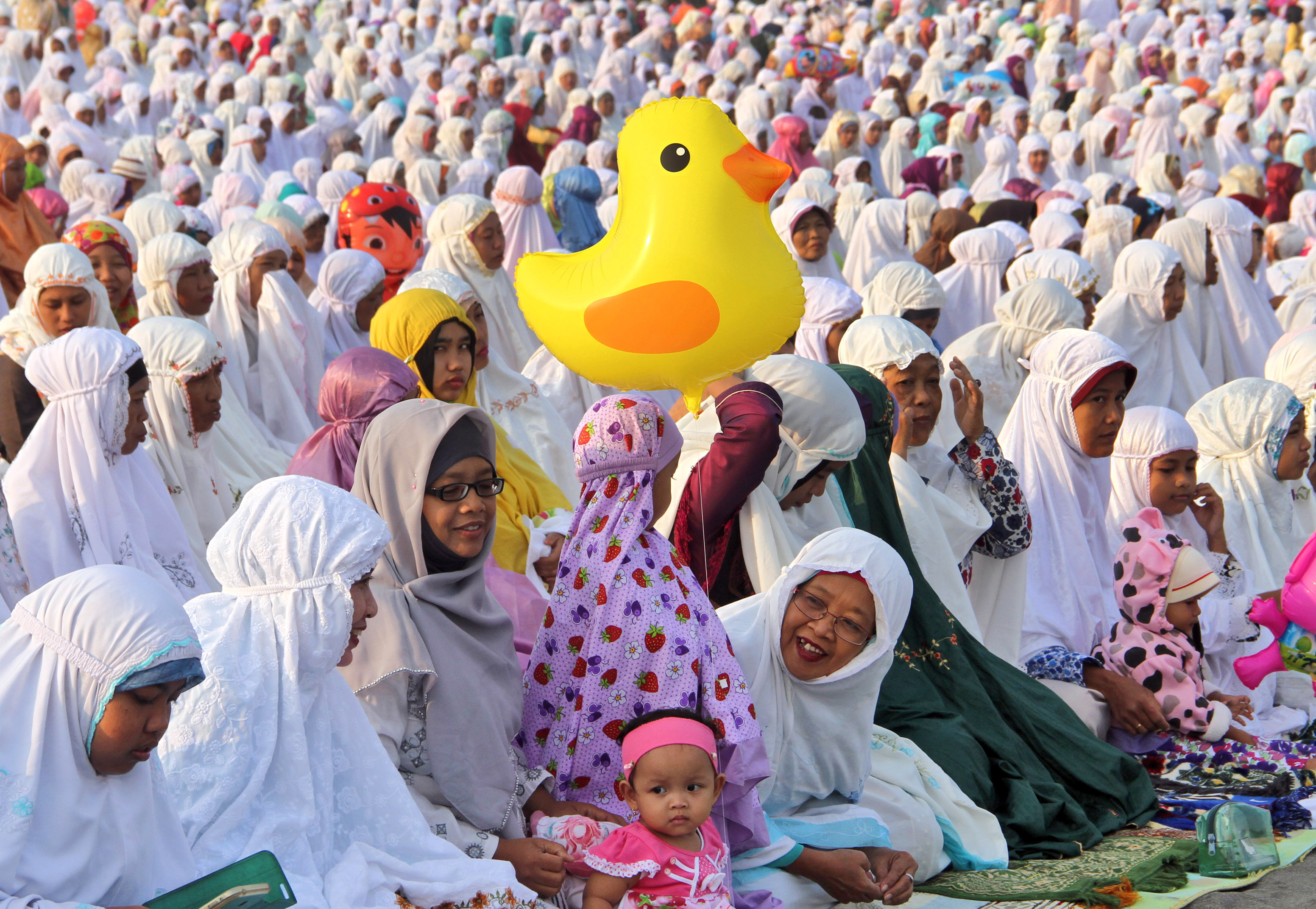eid celebration Muslims all over the world celebrate the festival of eid al fitr by starting the day with the eid prayer after the eid prayers, people greet each other with the customary eid greetings , eid mubarak with a formal embrace, three times.