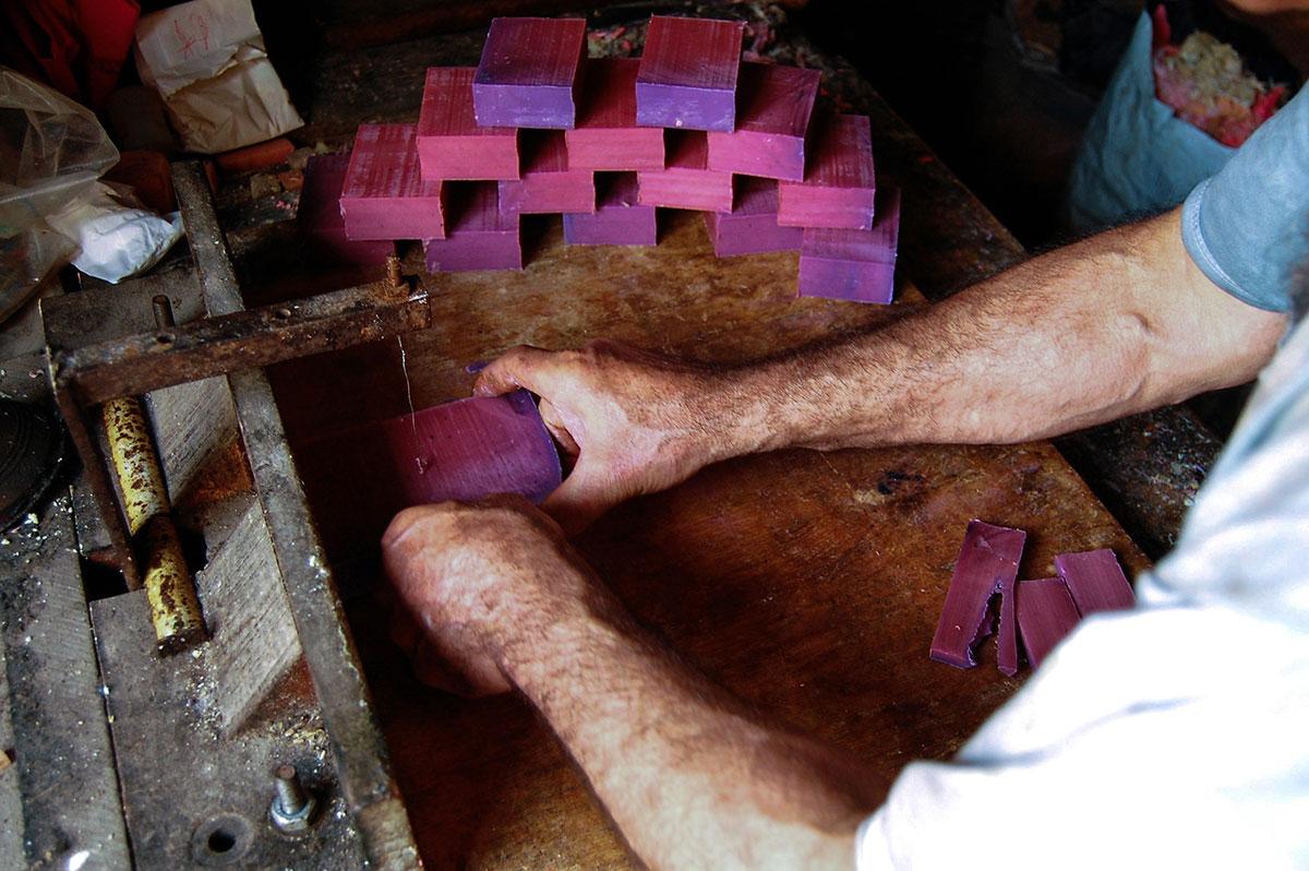 黎波里有两百多年历史的家庭肥皂作坊Sharkass Soap - wuwei1101 - 西花社