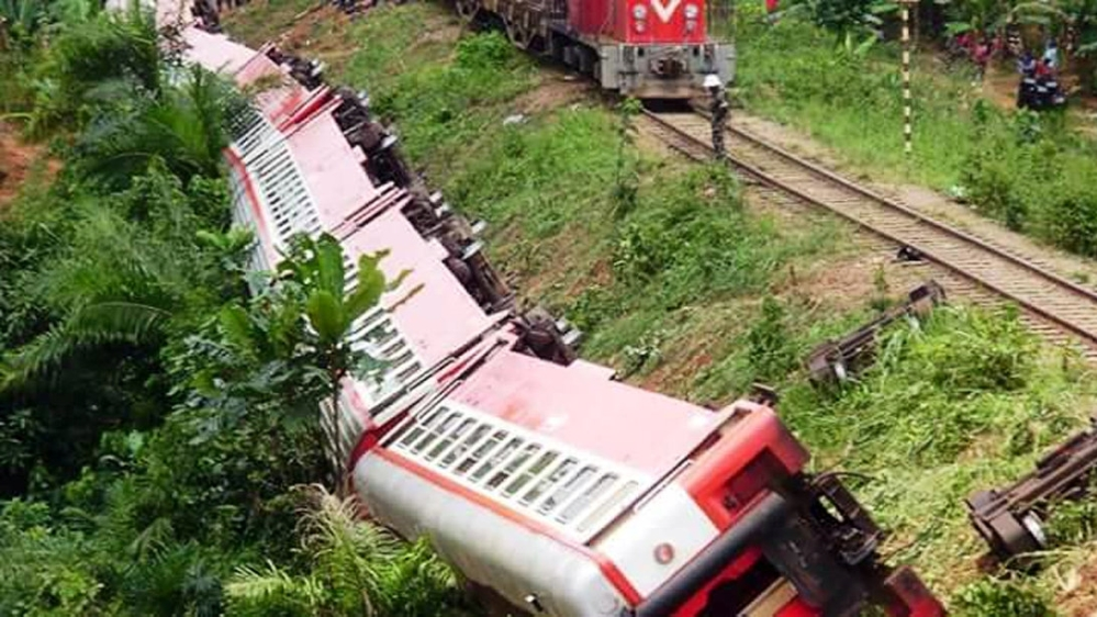 Overloaded passenger train went off the tracks along the route that links capital Yaounde with economic hub Douala.
