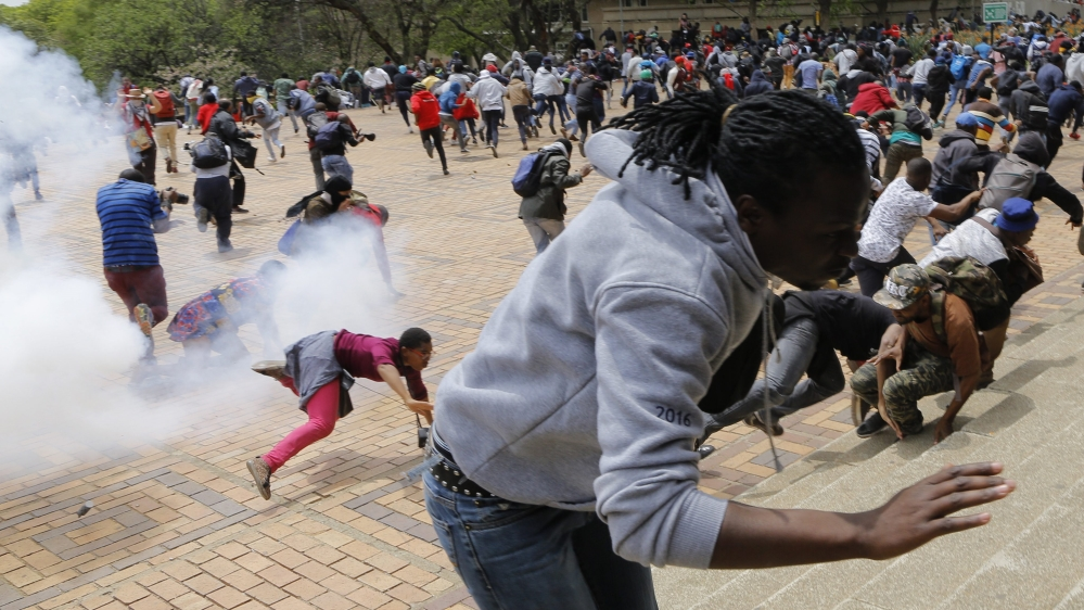 Students arrested as police fire tear gas, rubber bullets, and stun grenades against protesters.