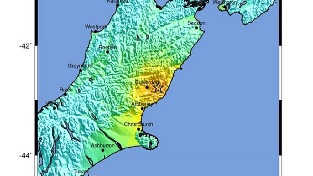 Tsunami hits New Zealand after powerful 7.8 natural disaster