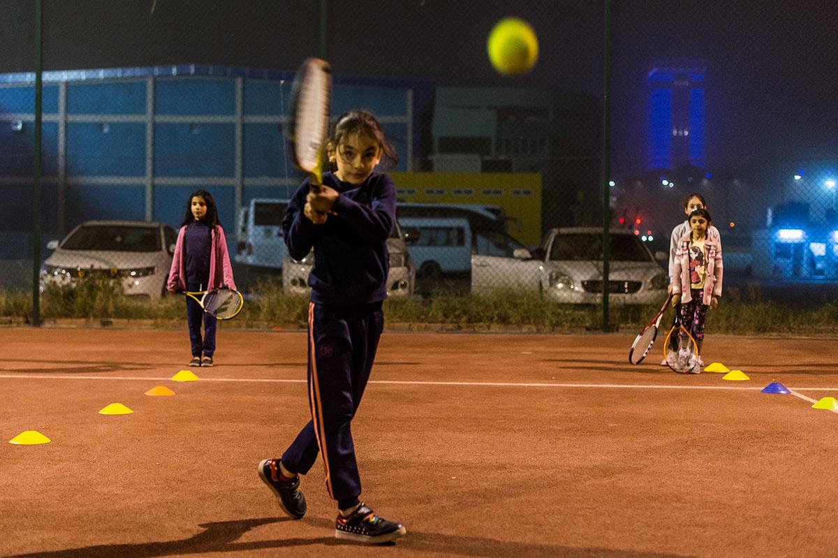 Tenisový klub Duhok, Irák. Foto Alessandro Rota, Al-Džazíra.