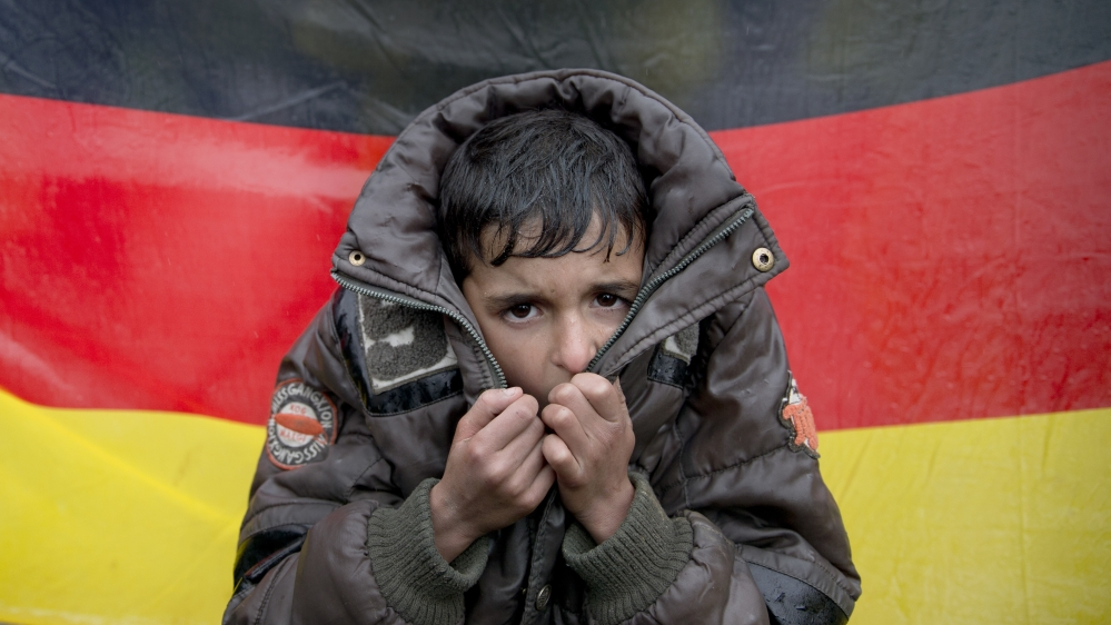 Germany to tighten security checks on refugees