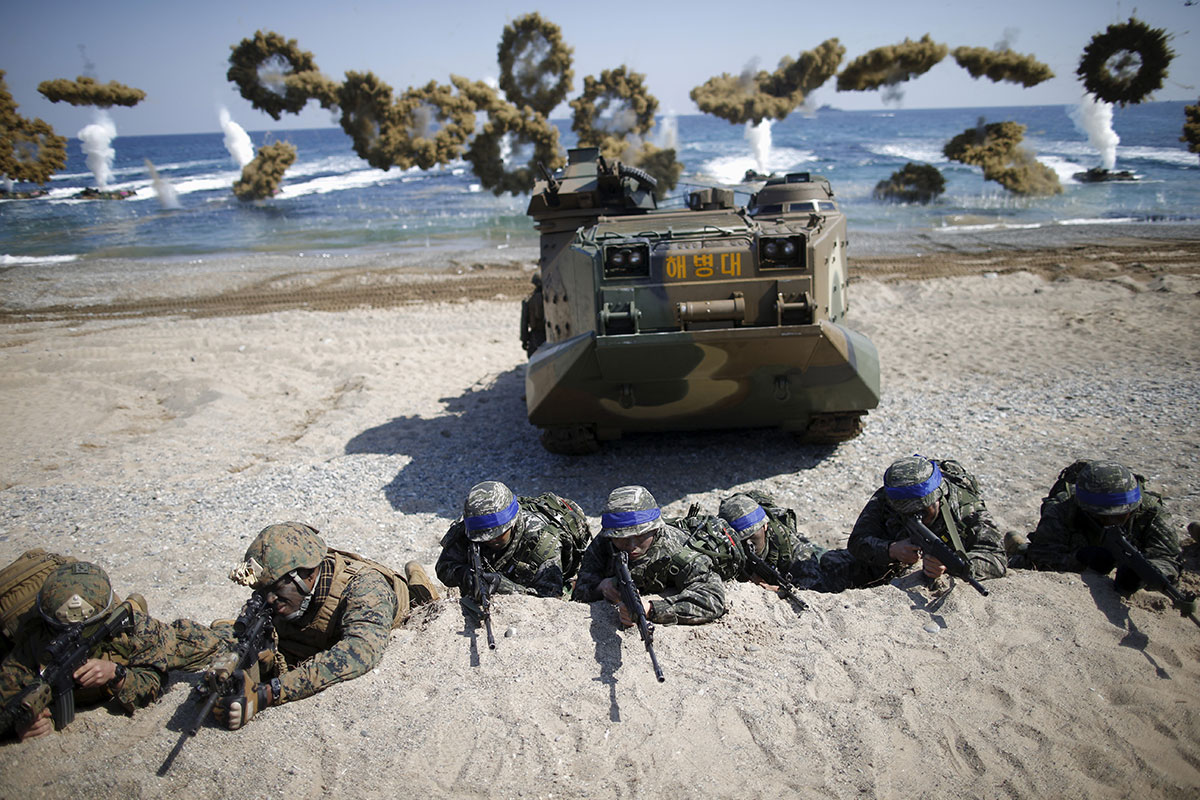 South Korea and US forces storm mock North Korea beach ...