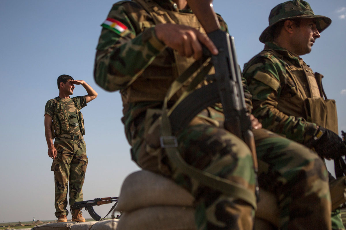 Kurdistan Peshmerga forces have been holding the line in the town of Makhmour. [Mauricio Morales/Al Jazeera]