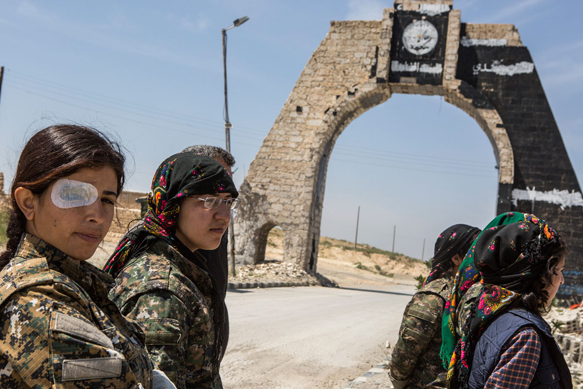 Meet the female Kurdish fighters battling ISIL | Syria ...