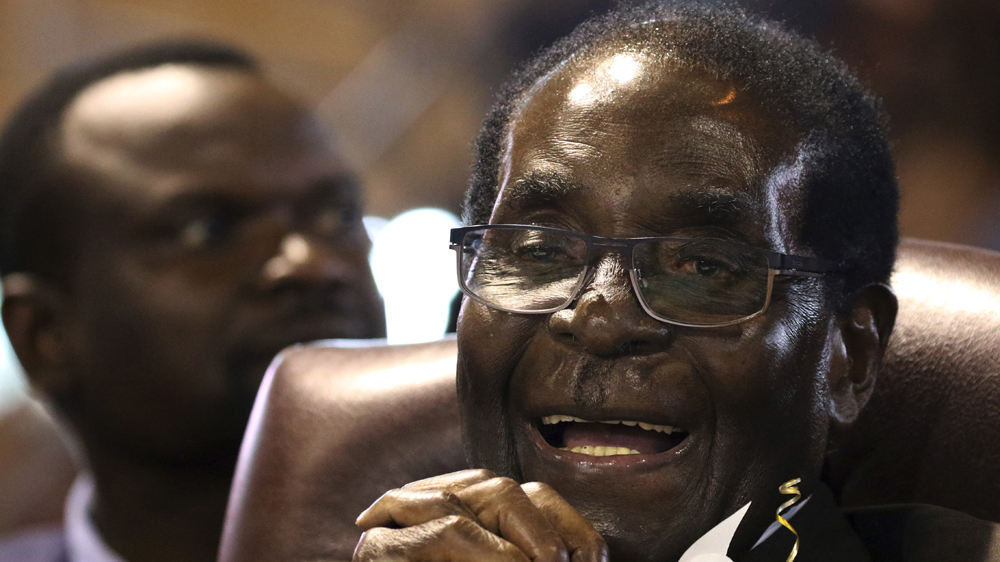 92-year old's comments to 10,000 Zimbabwean war veterans come at a time of high tension over who will succeed him.