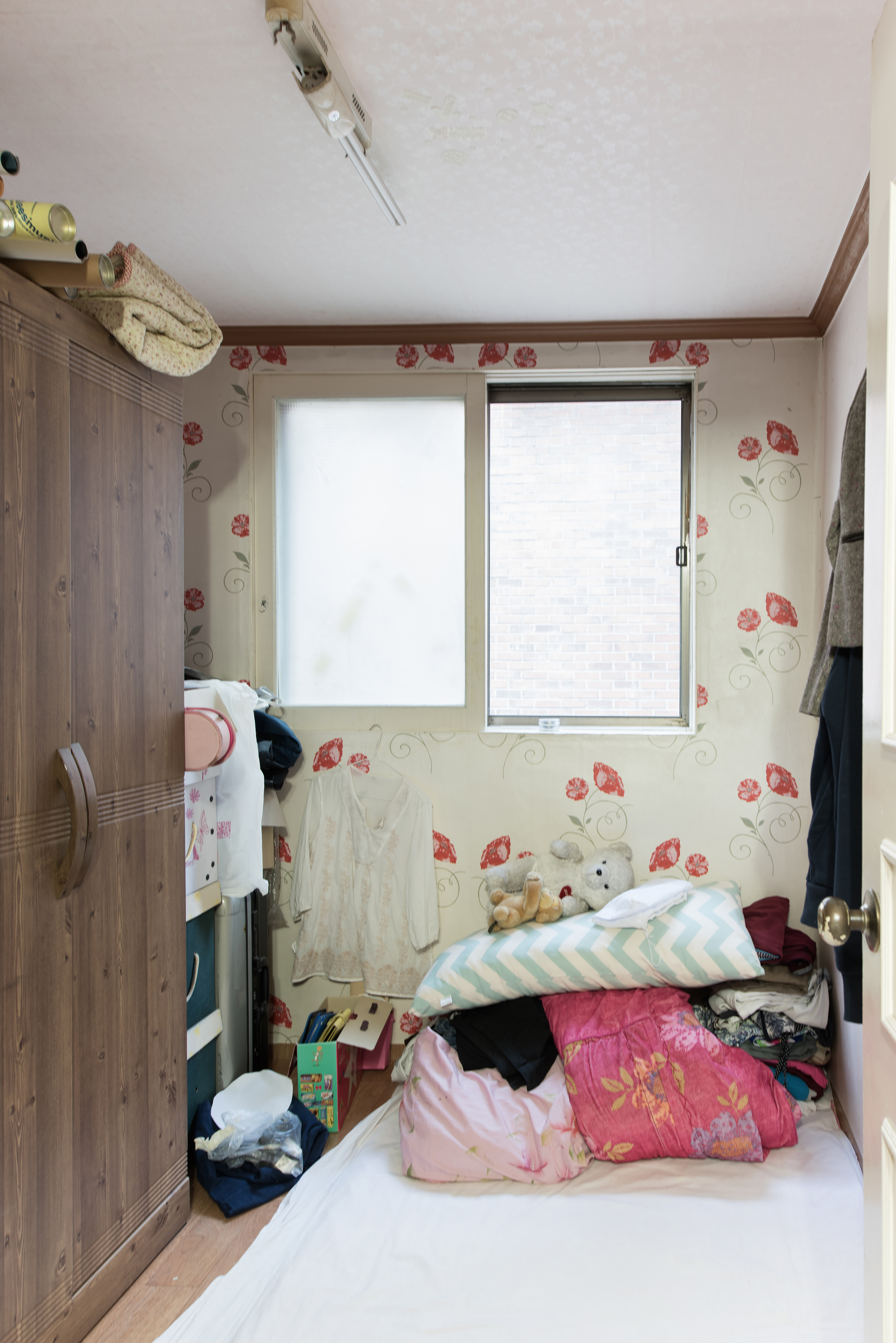 Sewol disaster victims: The bedrooms they left behind - News from ...