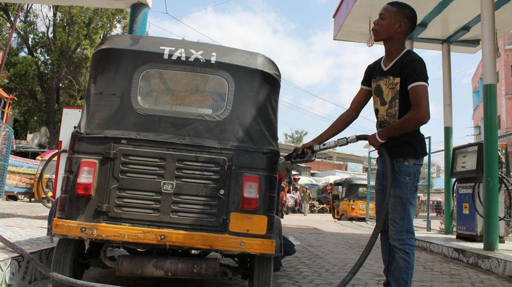 Consumer benefits fuelled by low oil price, fail to reach poorest Somalis dependent on public transport.