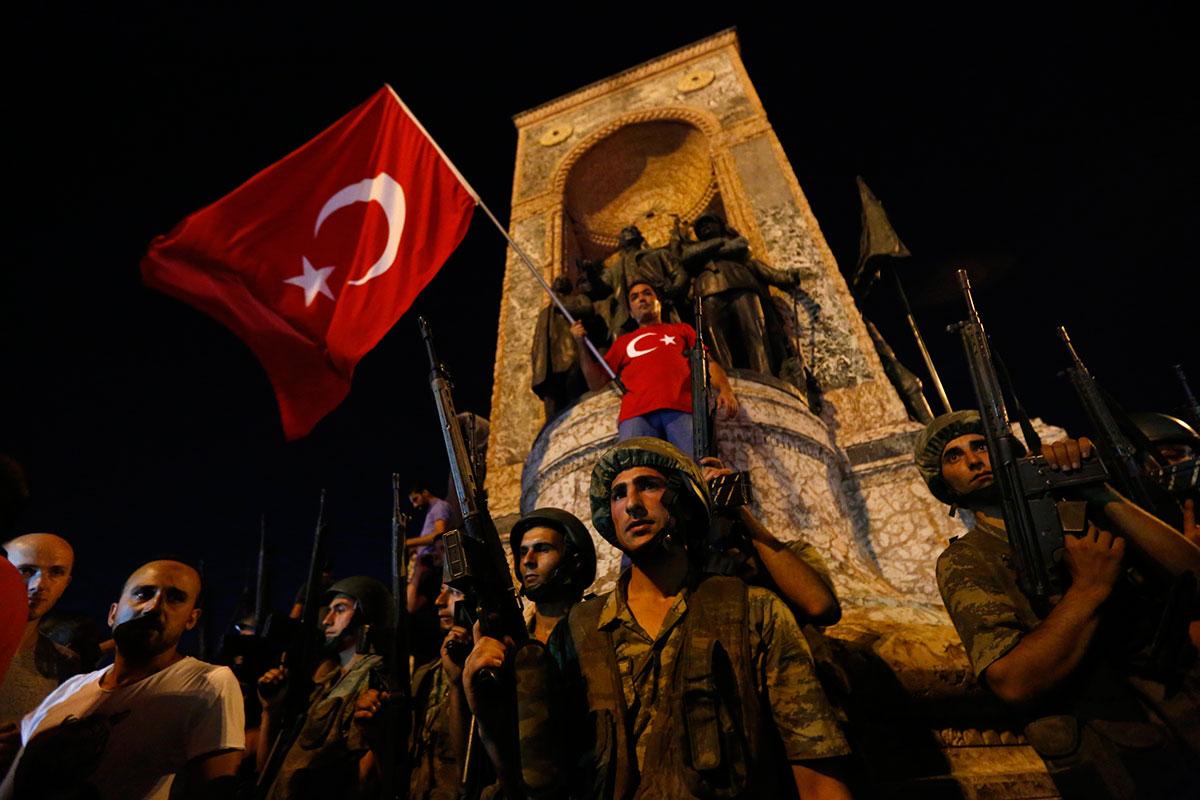Tentativa de golpe na Turquia: Uma tragédia em dois atos