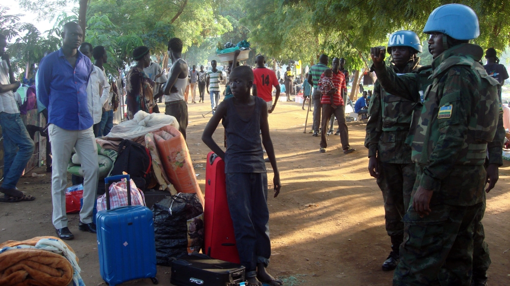Fresh fighting in South Sudan's capital has killed hundreds of people and forced thousands to flee their homes.