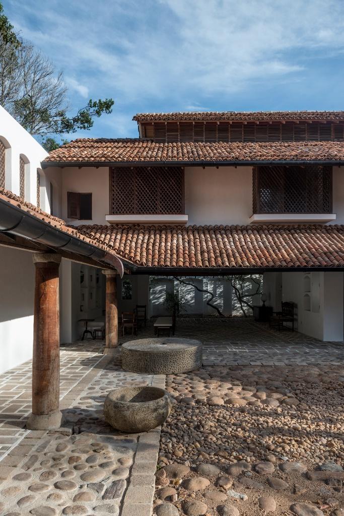 Sri Lanka: Ena de Silva's moving house   Sri Lanka   Al ...