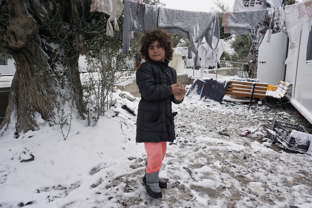 Refugees in southeastern Europe have not been spared the suffering that the cold weather brings. [AFP]