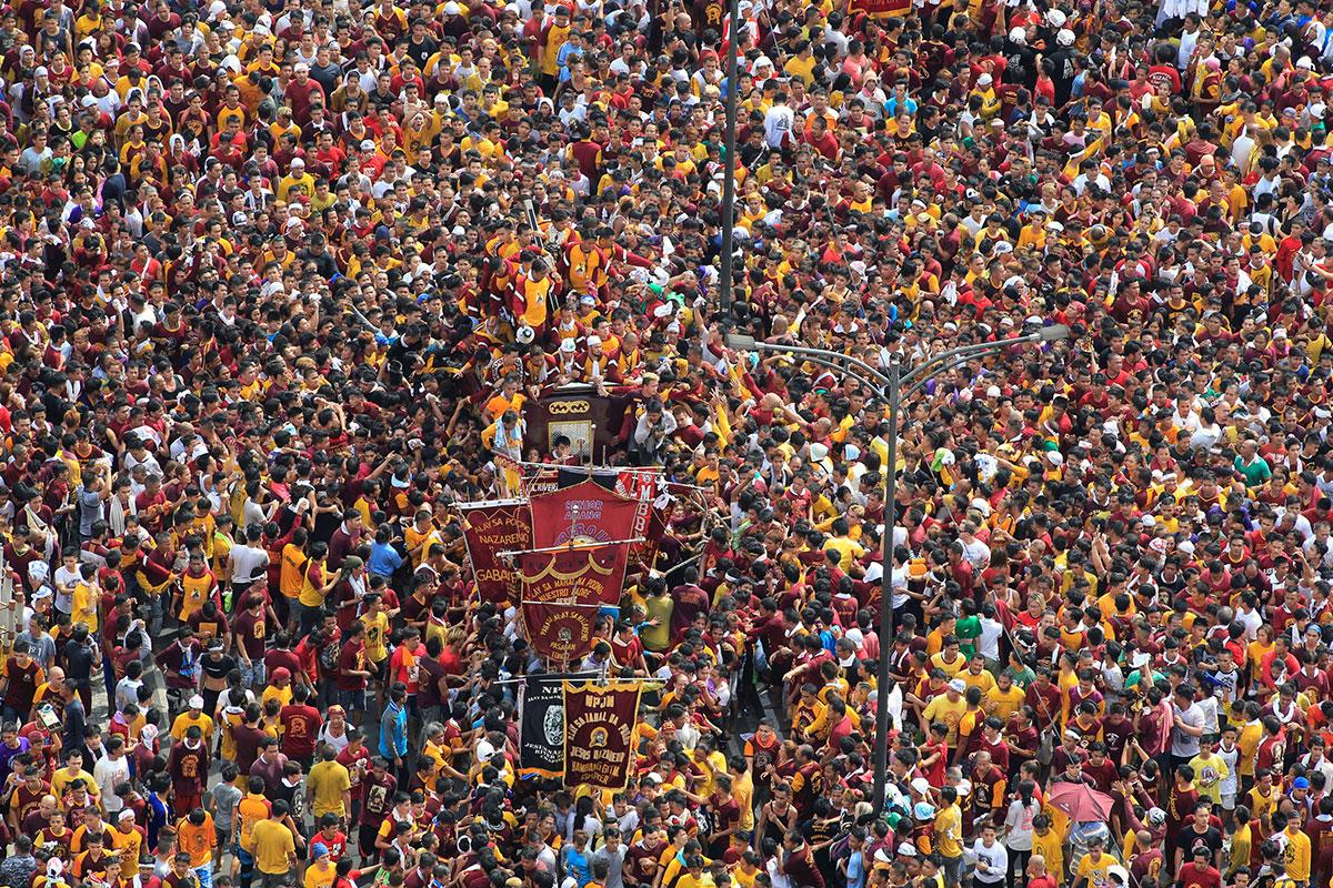 Philippines: Millions join Black Nazarene procession ...
