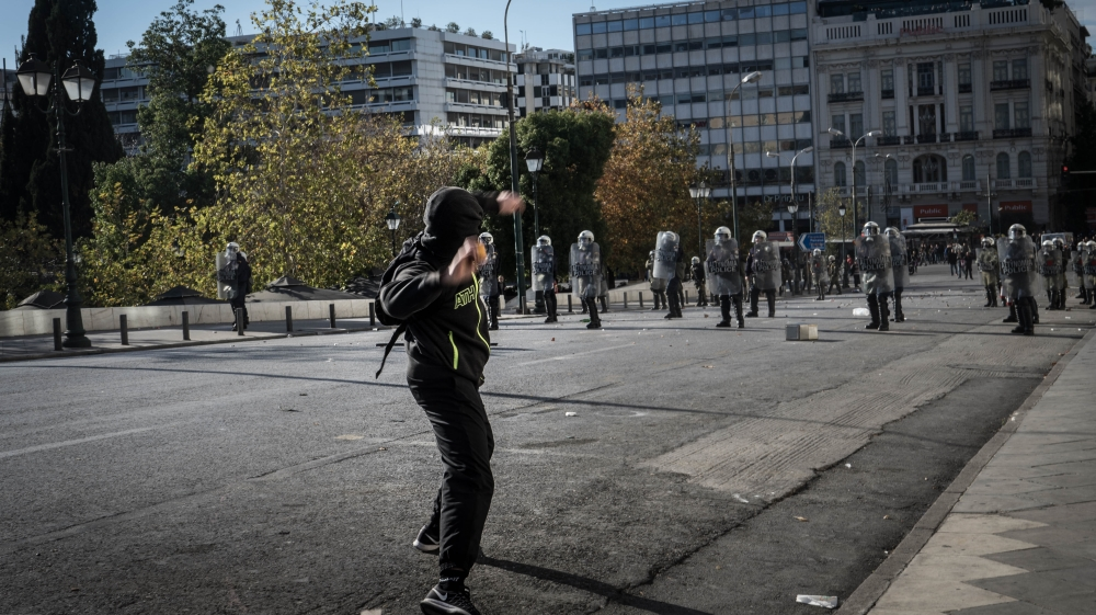 Clashes as Greeks mark 2008 police killing of teenager