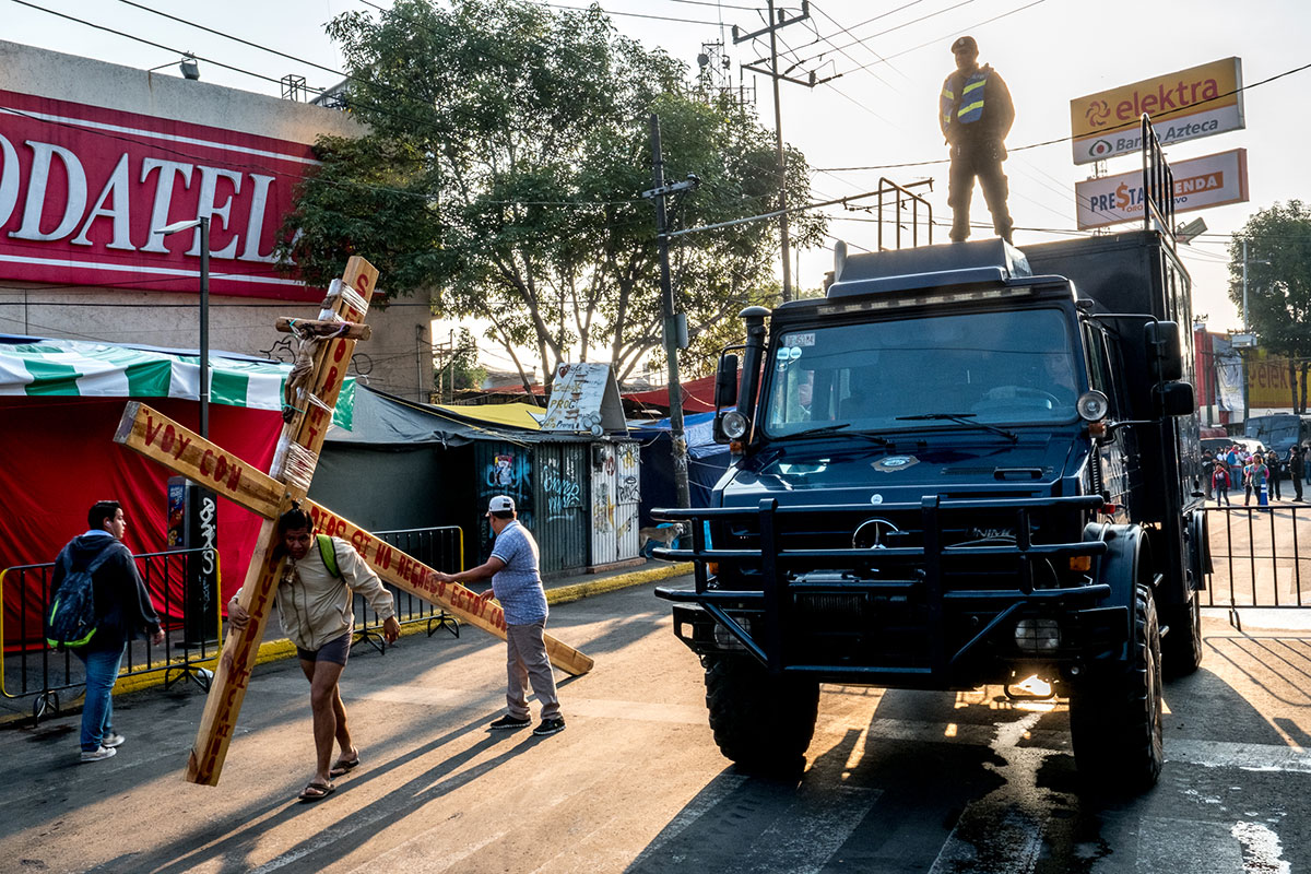 mexico city re enacts the crucifixion of jesus christ al jazeera