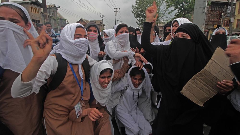 Female Kashmiri students lead anti-India protests